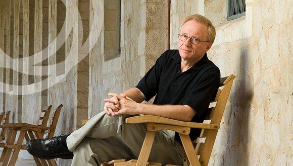 הסופר דויד גרוסמן בשיחה אישית וחד פעמית על ספרות ועל החיים כאן